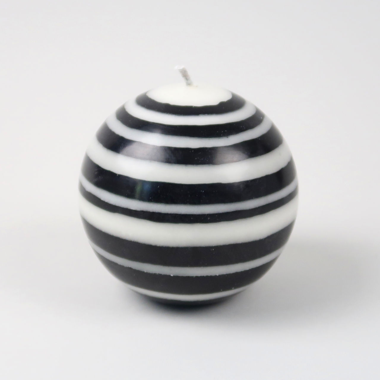 Striped Ball Candle - Jet/Pearl