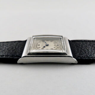 Crusader retailed by Flinn & Co. Coventry circa 1935 | steel manual vintage wristwatch