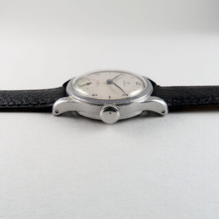 Omega Ref. 2165 circa 1943 | steel manually wound vintage wristwatch